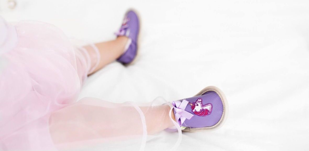 Kindergarten toddler rolly slippers unicorn girl